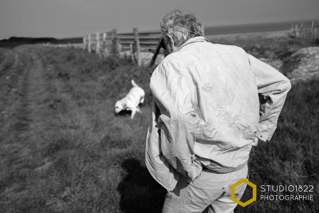 Photographe Lille Portrait d'un homme et de son chien dans la nature