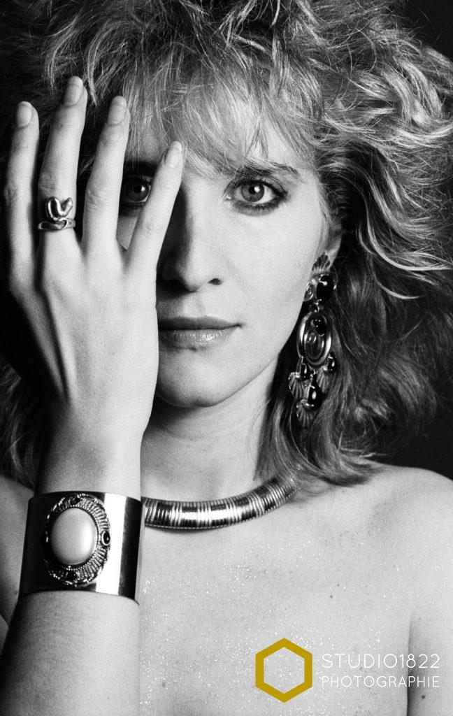 Photographe Lille Portrait beauté d'une femme avec bijoux