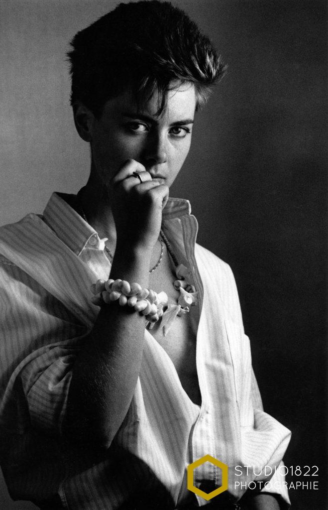 Photographe Lille portrait style années 80 en noir et blanc