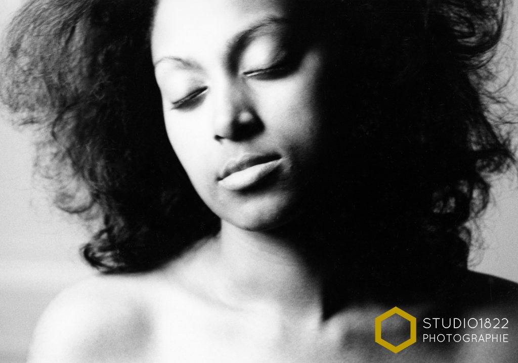 Photographe Lille Portrait noir et blanc femme