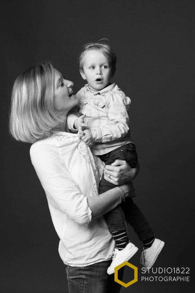 Photographe spécialisé portrait de famille en Noir et Blanc