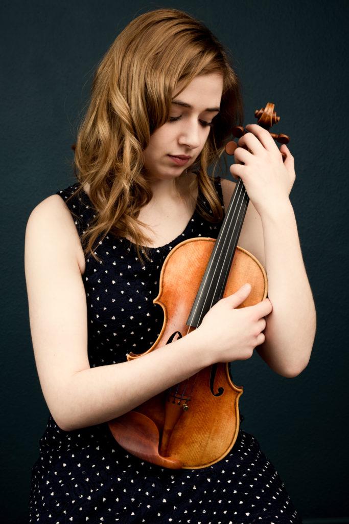 Photographe Lille portrait violoniste et son instrument