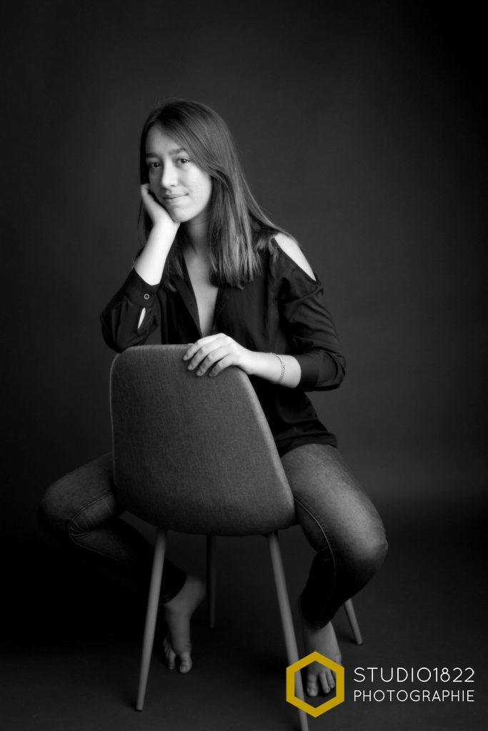 Photographe Lille portrait jeune fille en studio
