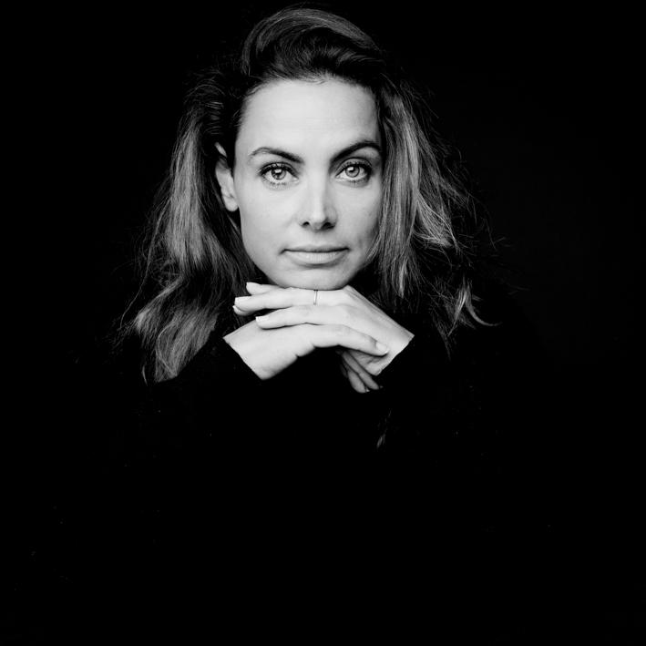 Anna, photographe à Paris, photographiée par Luc, photographe de portrait à Lille