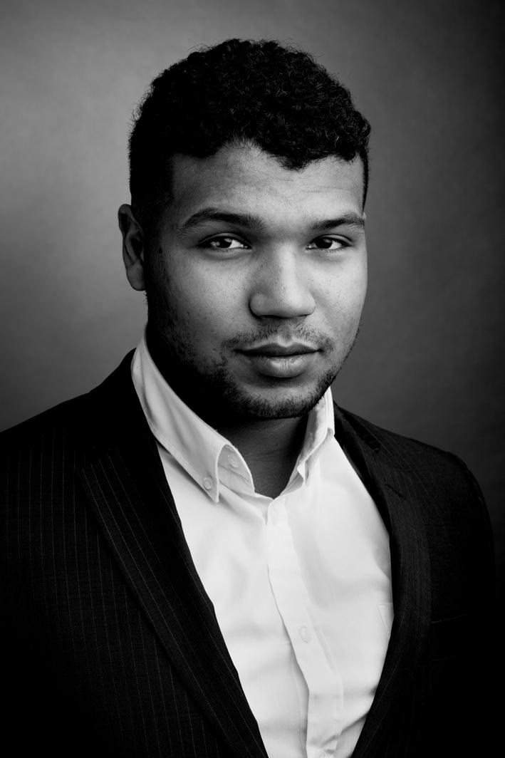 Portrait en studio en noir et blanc
